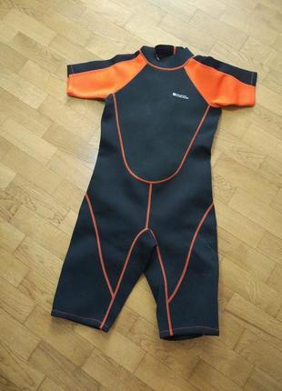 Гидрокостюм, комбинезон для плавания и серфинга