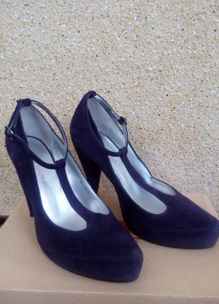 Фиолетовые замшевые туфли carlo pazolini