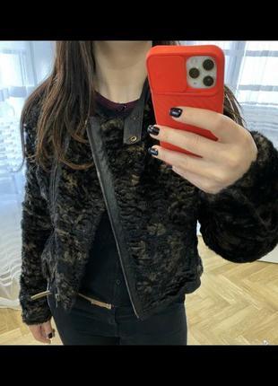 Махрова курточка ідеальний стан.розмір м.
