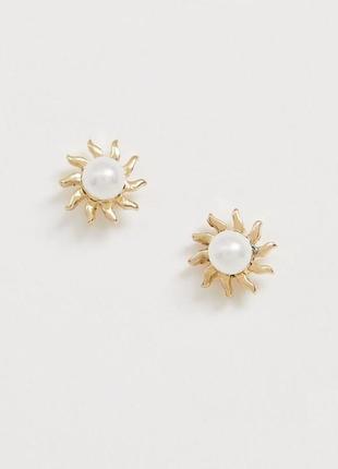 Сережки перлини, серьги гвоздики солнышко pieces с сайта asos