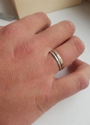 Серебряное обручальное кольцо обручалка с золотой вставкой размер 20