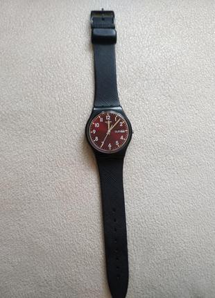 Годинник  swatch