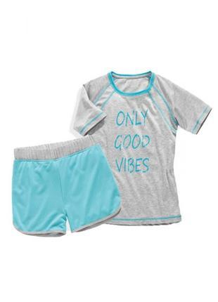 Костюм для девочки футболка+шорты на девочку 6-8 лет, германия.