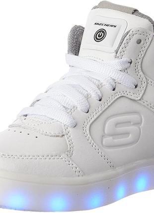 Стильные кроссовки skechers light