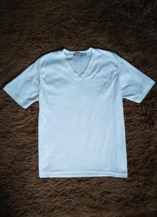 Белоснежная футболка