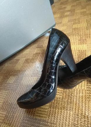 Туфли на каблуке лаковые кожаные аtelier италия 38р / стелька 25см
