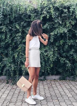 Шелковая юбка на запах mango premium бежева ніжно-блакитна спідниця з запахом