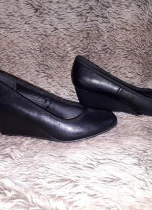 Черные туфельки 38р кожа