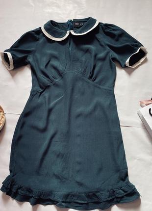 Красивое платье изумрудного цвета от asos