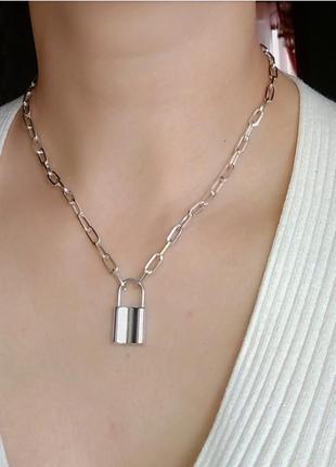Цепочка с замочком замком ожерелье подвеска чокер на шею
