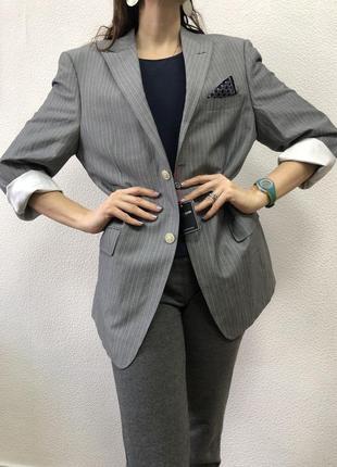 Весенний пиджак оверсайз с мужского плеча