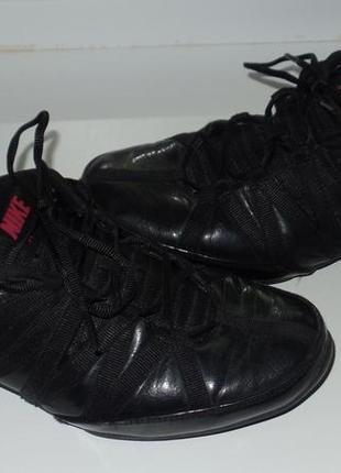 Кожаные кросовки  nike р 41 стелька 26.5