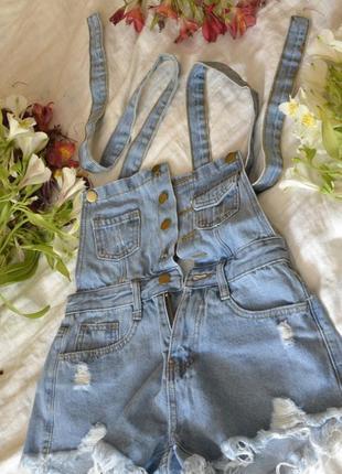 Дуже якісні, трендові та классні джинсові літні шортики-комбінезон