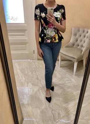 Блуза цветная, в цветочек, чёрная
