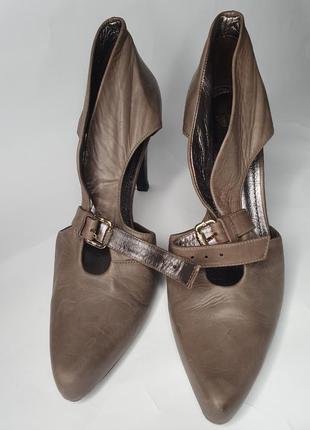 Удобные женские кожаные туфли farrutx фаруткс на высоком каблуке