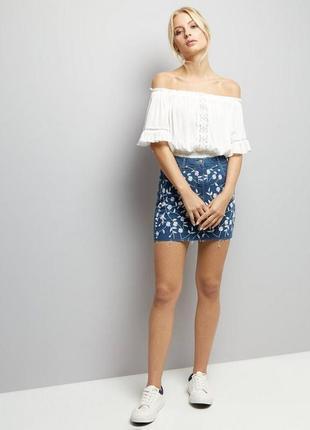 Парижская синяя джинсовая юбка с цветочным принтом parisan by new look
