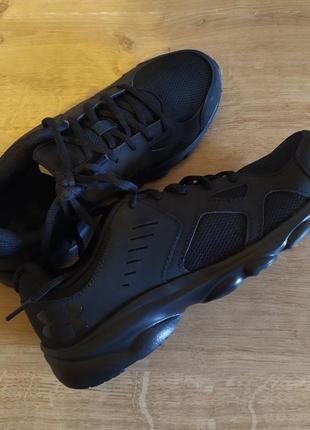 Оригинал!идеальные кожаные кроссовки under armour сша 24-24,5см