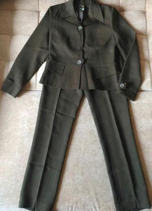 Брючный костюм оливкового цвета, высокий рост р.m