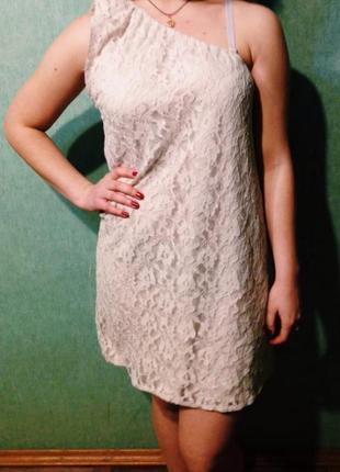 Кружевное кремовое платье