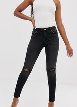 Джинсы штаны рваные,с дырками,узкачи,скини,скинии,с необработанным низом