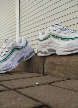 Супер цена! дышащие беленькие кроссы