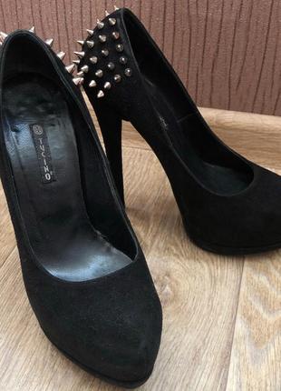 Красивые туфли tucino, каблук 15 см.