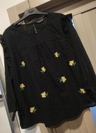 Цікава блуза у квіти