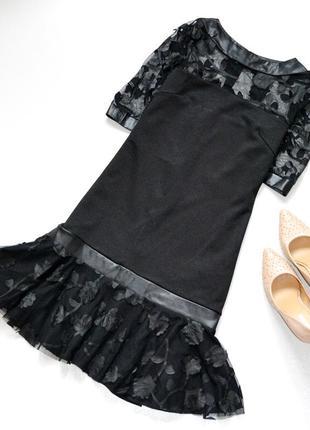 Восхитительное платье черное платье с сеточкой и цветами