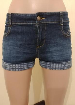 Короткие шорты tommy hilfiger. оригинал.