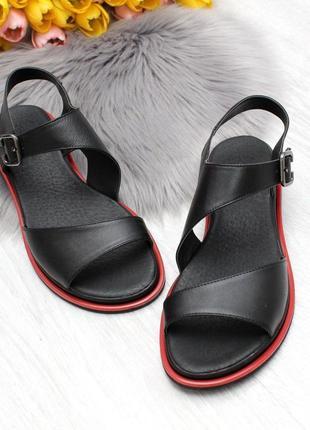 Босоножки melly кожаные черные с красной полоской