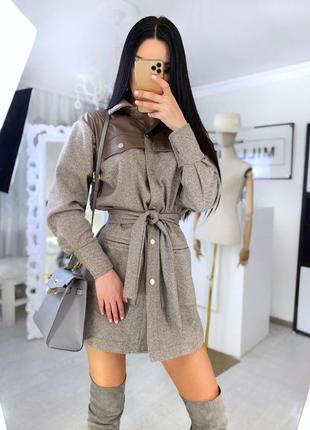 Универсальная вещь рубашка платье пальто