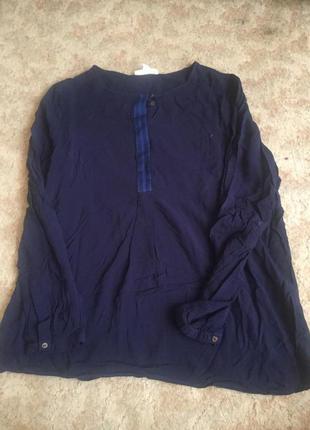 Блузка темно-синего цвета