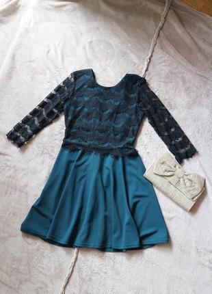 Зеленое изумрудное стильные платья с кружевом