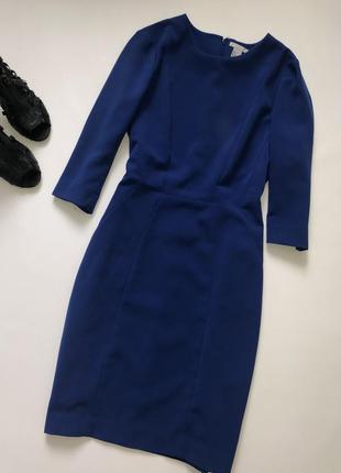 Яркое синее платье футляр