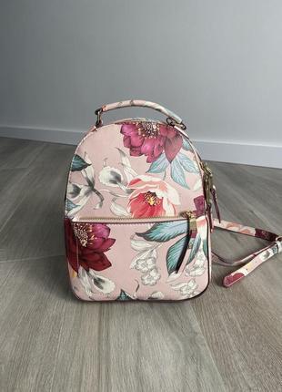 Красивый нежно розовый рюкзак с цветами весенний, летний