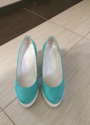 Туфли женские кожаные бирюзовые 39 разм.
