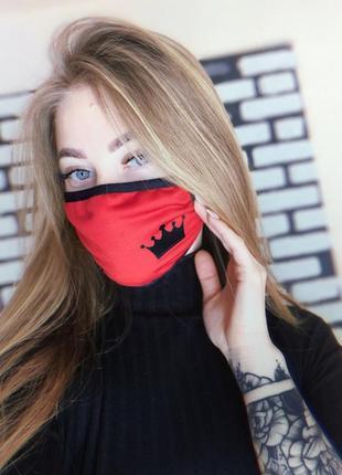 Маска защитная тканевая черно-красная, с рисунком queen