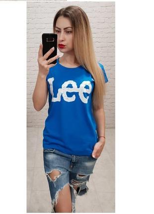Футболка женская ярко голубого цвета с принтом бренд lee
