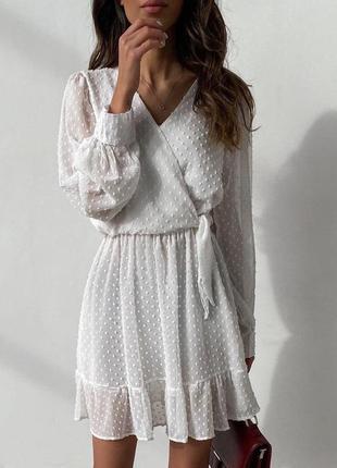 Белоснежное нарядное платье