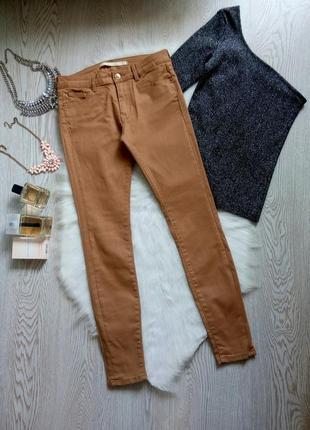 Бежевые песочные джинсы скинни с напылением под кожаные укороченные скинни горчичные