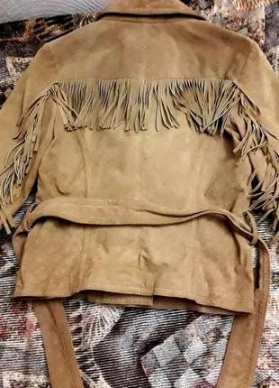 Замшевая куртка с бахрамой