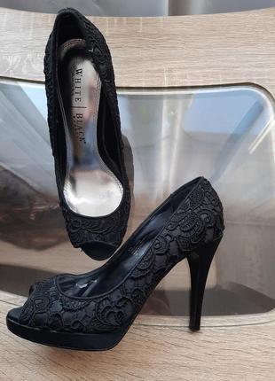 Кружевные туфельки в состоянии новых. кожа