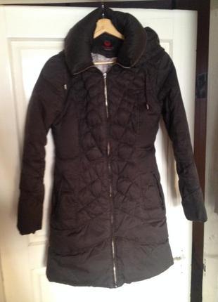 Шоколадне зимове пальто/пуховик