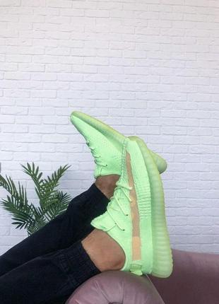 Шикарные кроссовки унисекс adidas yeezy boost 350 v2 glow4 фото
