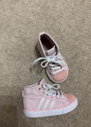 Кеды класнючие на девочку adidas розовые удобные