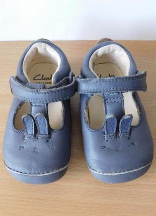 Кожаные туфли ,пинетки clarks19 р.стелька 12,2 см