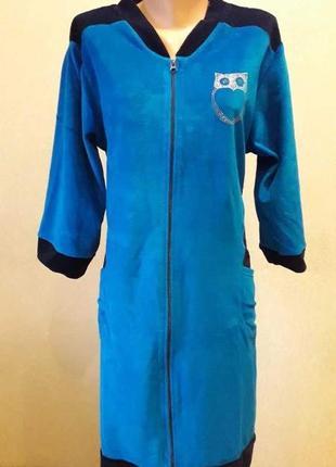 Женский велюровый халат без капюшона больших размеров.