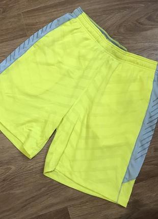 Яркие шорты от under armour new balance nike adidas puma diadora