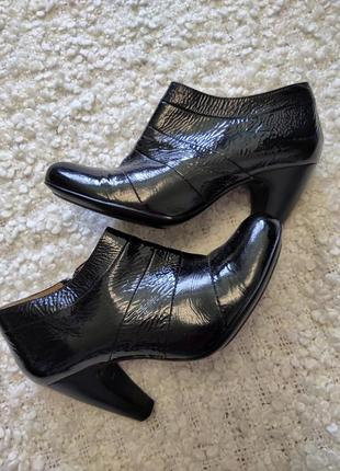 Ботыльены,ботинки кожаные