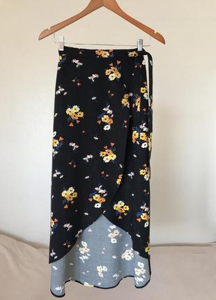 Шикарная юбка на запах в мелкие цветы h&m